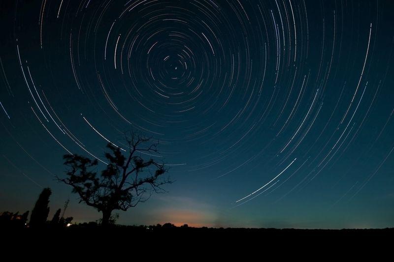 Фотографии ночное небо движение звезд